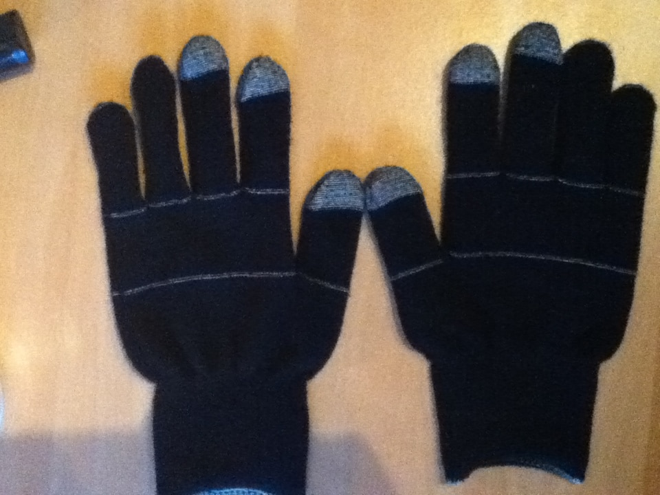 Gloves for capacitive screen