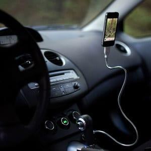 iphone-car-cable-bobine-fusechicken