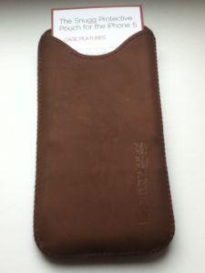 Smug-e1372087505565-225x300 Review / Test : The Snugg housse en cuir pour iPhone 5