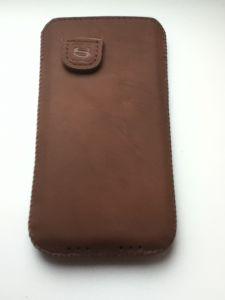 Smugg-e1372085972543-225x300 Review / Test : The Snugg housse en cuir pour iPhone 5
