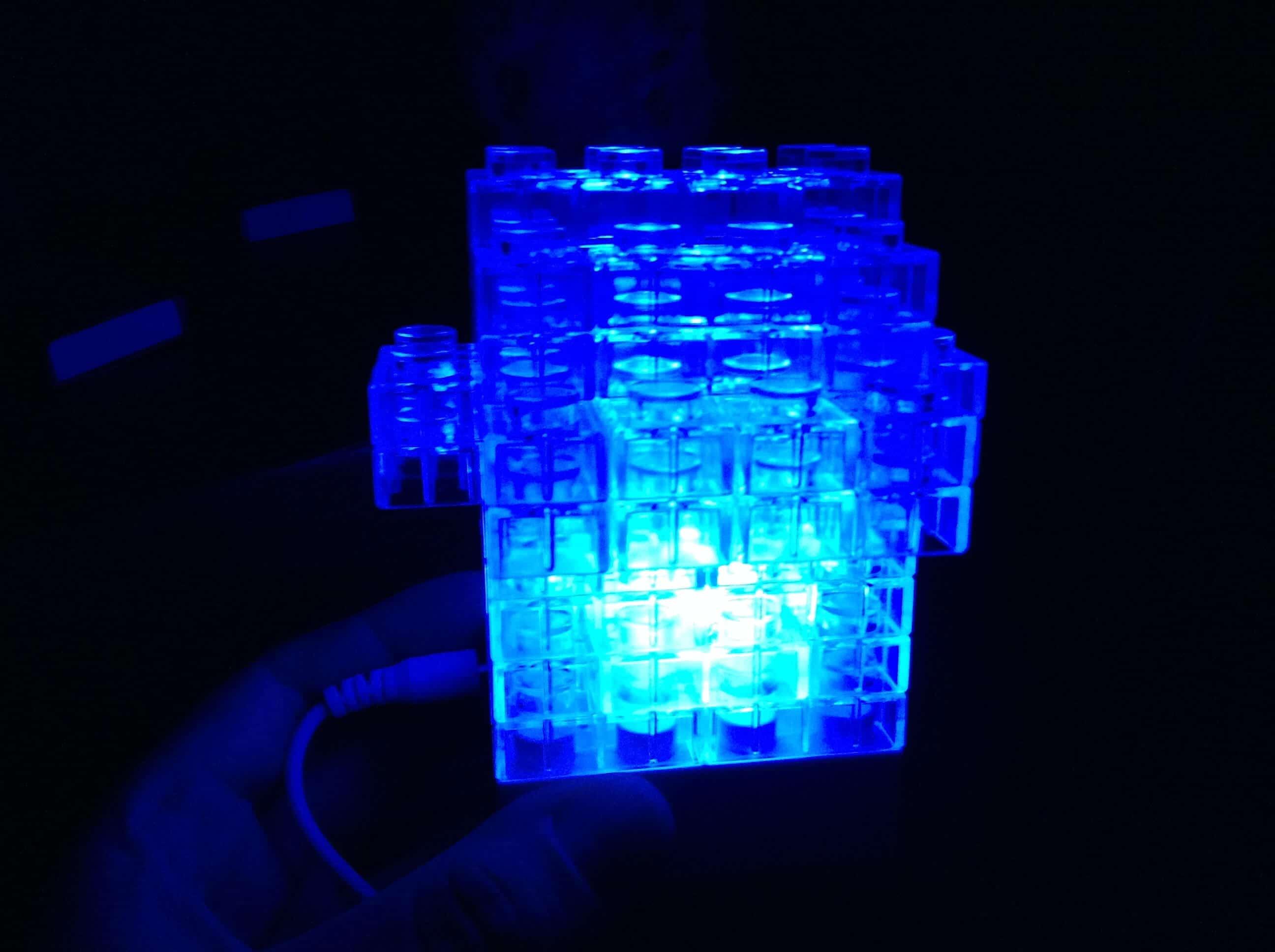 Lampe brique bleu